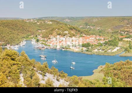 Skradin, Kroatien, Europa - Luftaufnahme von der Altstadt von Skradin - Stockfoto