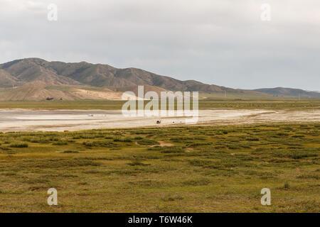 Lake Shore, Terkhiin Tsagaan See auch als Weißer See ist ein See in der khangai Gebirge im Zentrum der Mongolei - Stockfoto