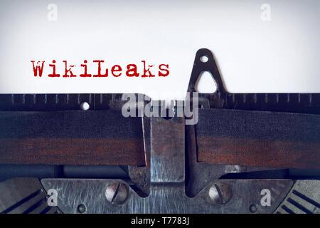 WikiLeaks auf einer alten Schreibmaschine geschrieben - Stockfoto