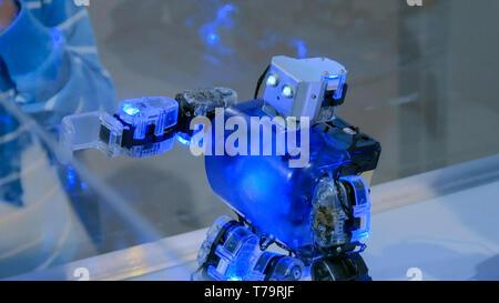 Humanoide Roboter tanzen an Roboter zeigen - Stockfoto