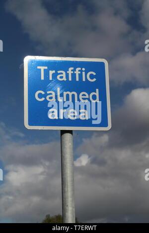 Britische Verkehrsberuhigung Verkehrszeichen in Yorkshire, Großbritannien - Stockfoto