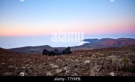 Blick vom Teide Vulkan in der Dämmerung, Teneriffa, Spanien. - Stockfoto