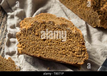 Herzhafte Irische braun Brot mit ganzen Weizen - Stockfoto
