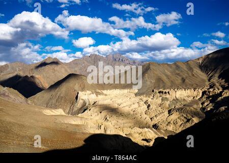 Indien, Bundesstaat Jammu und Kashmir, Himalaya, Ladakh, Moonland, Name für dieses großartige Zirkus der Ton in der Nähe von Lamayuru - Stockfoto