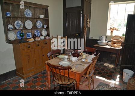 Küche im Bauernhaus bei Milton Keynes Museum, Wolverton, Buckinghamshire, England, Großbritannien - Stockfoto
