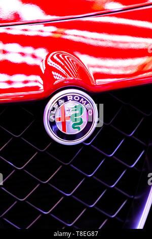 Belgrad, SERBIEN - MÄRZ 23, 2019: Detail der Alfa Romeo Auto in Belgrad, Serbien. Alfa Romeo Automobiles S.p.A. ist eine italienische Luxus Auto manufactur - Stockfoto