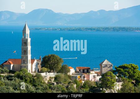 Kroatien, Dalmatien, Makarska Riviera, Igrane, am Horizont die Insel Korcula - Stockfoto