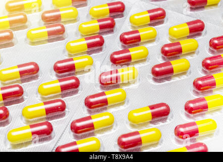 Medizin, Pillen Medikamente und Heilmittel noch im Paket closeup Makro - Stockfoto