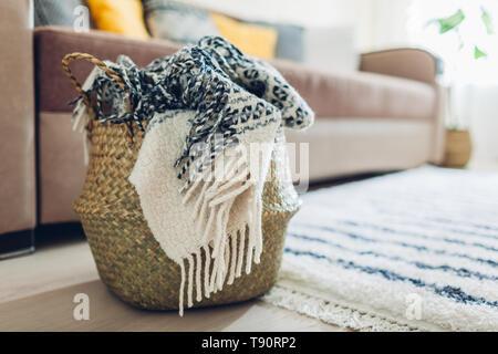 Brilliant Grune Sofa In Modernem Skandinavischen Design Stockfoto Beatyapartments Chair Design Images Beatyapartmentscom