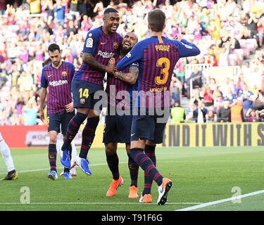Arturo Vidal des FC Barcelona feiert sein Ziel mit seinen Mannschaftskameraden während des Spiels zwischen dem FC Barcelona gegen Getafe CF von LaLiga, Datum 20, 2018-2019 Saison. Das Stadion Camp Nou. Barcelona, Spanien - 12. Mai 2019 - Stockfoto