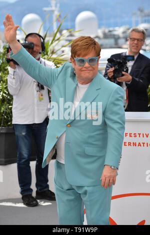 """Cannes, Frankreich. 16. Mai, 2019. CANNES, Frankreich. Mai 16, 2019: Elton John am Fotoshooting für die """"Rocketman"""" auf dem 72. Festival de Cannes. Foto: Paul Smith/Alamy leben Nachrichten - Stockfoto"""