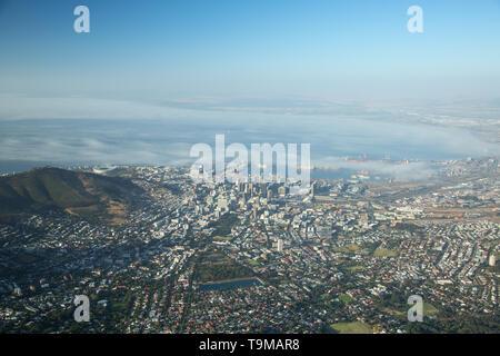 Malerischer Blick auf Kapstadt vom Tafelberg in Südafrika - Stockfoto