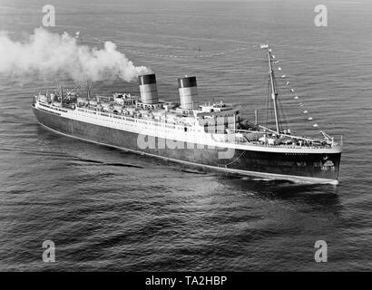 Der Ocean Liner 'Mauretania' der Cunard Line Ansätze der Hafen von New York nach Ihrem ersten Atlantiküberquerung. - Stockfoto