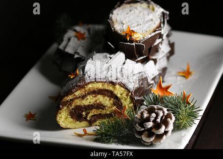 Schokolade Weihnachten auf weiße Platte anmelden - Stockfoto