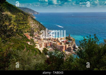 Vernazza ist eine Gemeinde in der Provinz von La Spezia, Ligurien, nordwestlichen Italien. Es ist eines der fünf Städte, die die Cinque machen - Stockfoto