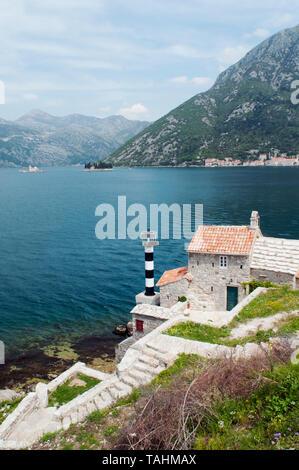 Malerische Aussicht auf die Bucht von Kotor, Perast, Montenegro