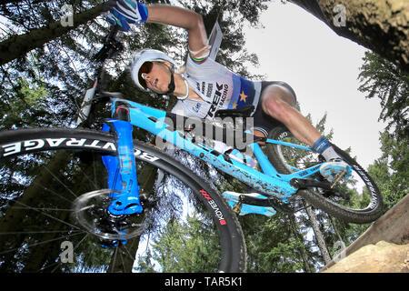 Jolanda Neff in der Schweiz in Aktion während der Frauen elite Cross Country Mountainbike Weltcup in Nové Město na Moravě, Tschechische Republik, 26. Mai 2019. (CTK Photo/Libor Plihal) - Stockfoto