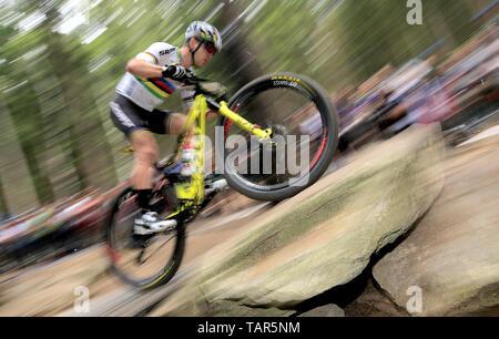 NINO SCHURTER der Schweiz in Aktion während der Männer elite Cross Country Mountainbike Weltcup in Nové Město na Moravě, Tschechische Republik, 26. Mai 2019. (CTK Photo/Libor Plihal) - Stockfoto