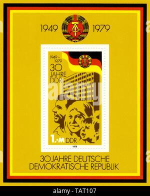 Historische Briefmarken der DDR, politische Motive, Historische Briefmarke der DDR, 30 Jahre Deutsche Demokratische Republik, 1979 - Stockfoto