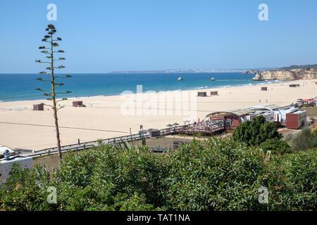 Praia Da Rocha im Frühjahr in Portimao, Portugal - Stockfoto