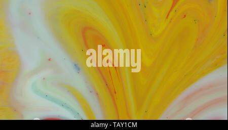 Abstrakte psychedelischen Hintergrund. Tinte in einer bunten Flüssigkeit. Bunte Farbe Tropfen in Wasser mischen. Fluss der Flüssigkeit. Bunte Farbe - Stockfoto