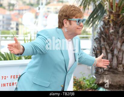 "CANNES, Frankreich - 16. Mai: Sir Elton John besucht die ""Rocketman"" fotoshooting während der 72Nd Cannes Film Festival (Credit: Mickael Chavet/Projekt Daybrea - Stockfoto"