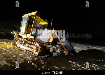 Ein Track Marshall auf Norden landen, die für das Abschleppen Boote verwendet wird. - Stockfoto
