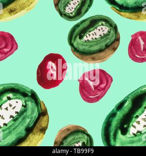 Cute nahtlose Muster geschnittenen Kiwis und roten Beeren aquarell Muster von Hand hergestellt auf Minze Hintergrund isoliert. - Stockfoto