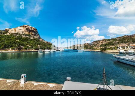 Luxus Yachten in Poltu Quatu Hafen, Sardinien - Stockfoto
