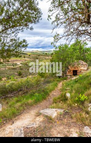 Hütte aus Stein in Navarra, Spanien, route Torres del Rio-Viana auf dem Jakobsweg, Camino de Santiago - Stockfoto