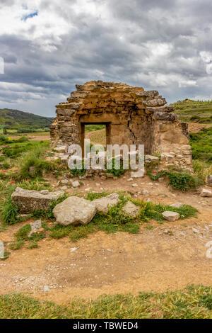 Alte Ruinen in Navarra, Spanien, route Torres del Rio-Viana auf dem Jakobsweg, Camino de Santiago - Stockfoto