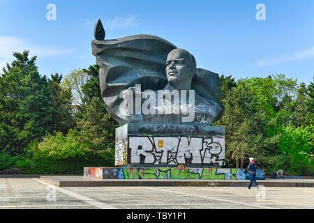 Denkmal Ernst Thälmann, Thälmann-Park, Prenzlauer Berg, Pankow, Berlin, Deutschland, Denkmal Ernst Thälmann, Thälmann-Park, Prenzlauer Berg, Deutschl - Stockfoto