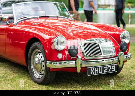 Bedford, Bedfordshire, Großbritannien. 2. Juni 2019. Der MGA ist ein Sportwagen, der von MG, 1956 produziert wurde, - Stockfoto