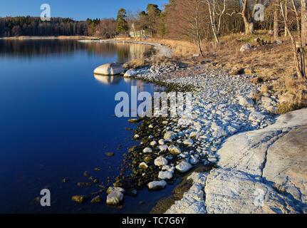 Stein Strand in der Nähe von Hällsund, Bogesundslandet, Stockholm - Stockfoto