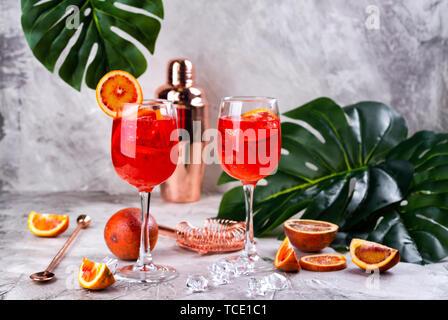 Italienische Aperol Spritz cocktail - Stockfoto