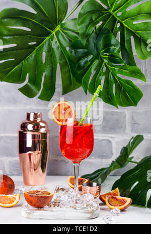 Sommer Sangria cocktail - Stockfoto