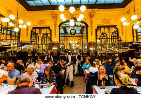 Bouillon Chartier Restaurant, Paris, Frankreich. Es wurde als historisches Monument im Jahre 1989 klassifiziert. - Stockfoto