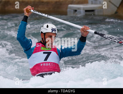 London, Großbritannien. 14 Juni, 2019. LONDON, ENGLAND JUNI 14 Luka Bozic (SLO) Herren C 1 1 Hitze laufen während der 2019 ICF Canoe Slalom World Cup 1 am Lee Valley White Water Centre, London Am 14. Juni 2019 Credit: Aktion Foto Sport/Alamy leben Nachrichten - Stockfoto