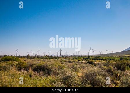 Windpark mit Wind Strom erzeugen Turbinen angetrieben - Stockfoto