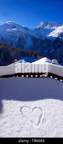 Herzen im Schnee, Frankreich, Savoyen, Sainte-Foy-Tarentaise