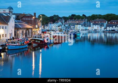 WEYMOUTH, Großbritannien - 20.Mai 2019: Der alte Hafen ist ein malerischer Hafen an der Küstenort Weymouth in Dorset, Südengland. - Stockfoto