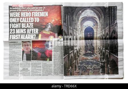 Innenseite Doppelseite in der Daily Mail vom 16. April 2019 mit Details der Notre Dame de Paris Feuer - Stockfoto