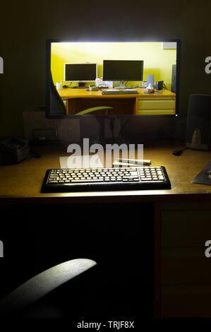 Bildschirm bei Nacht beleuchtet
