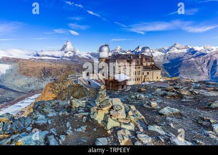 Zermatt, Schweiz. Blick auf Gronergrat ridge und Matterhorn Gipfel. - Stockfoto