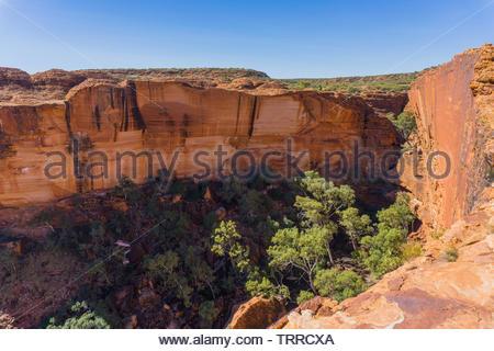 Ausblick über Kings Canyon im australischen Outback. Kings Canyon - Watarrka National Park, Petermann NT, Australien - Stockfoto