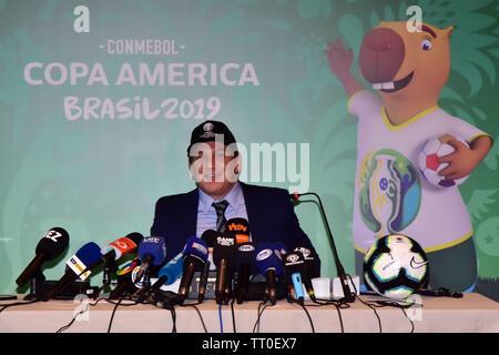 São Paulo, Brasilien, 13. Juni, 2019 CONMEBOL-Präsident Alejandro Domínguez gibt eine Pressekonferenz zum Start der CONMEBOL Copa América Brasil 2019, im Four Seasons Hotel São Paulo statt, in der Südzone von São Paulo, am Nachmittag des Donnerstag, 13. (Foto: Eduardo Carma/Foto Premium) Credit: Eduardo Carma/Alamy leben Nachrichten - Stockfoto