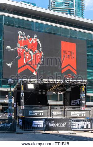 Toronto, Kanada, Dekorationen, wie die Toronto Raptors Basketball Mannschaft spielt die NBA Endspiele zum ersten Mal in der Geschichte. - Stockfoto