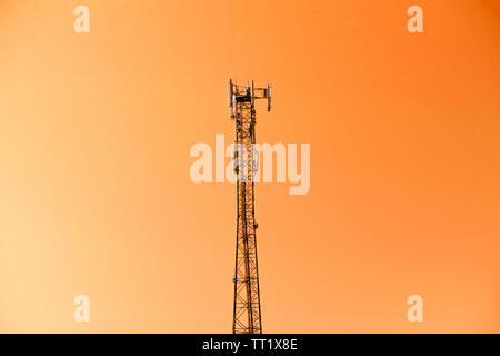 Die mobile Telekommunikation Mobilfunk Turm Antenne - Stockfoto