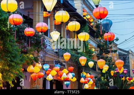 Traditionelle Seide Laternen, Hoi An, Provinz Quang Nam, Vietnam, Asien - Stockfoto