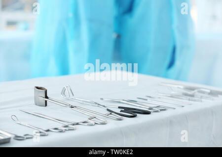 Instrumente auf dem Tisch, in der Klinik - Stockfoto